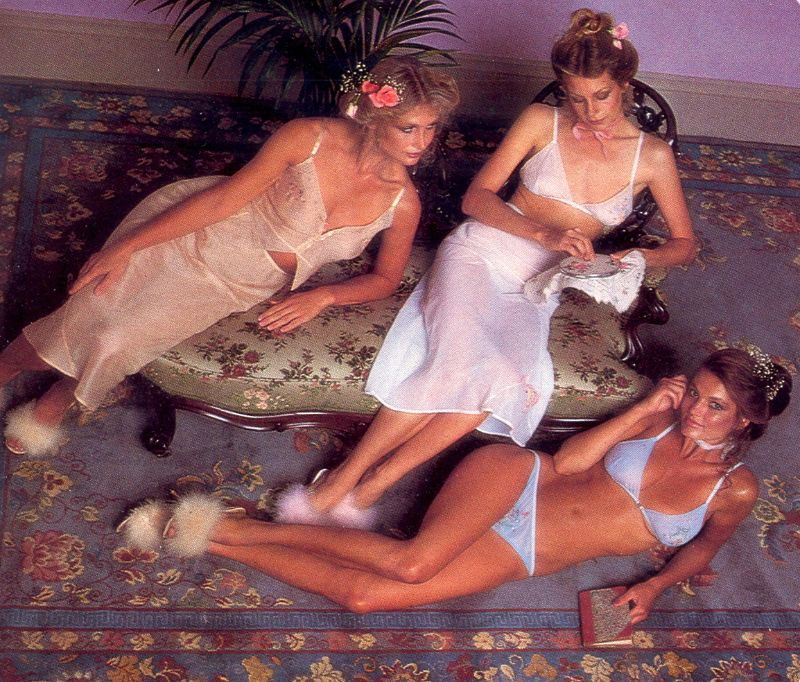 【超セクシー】今から40年前に発行されたヨーロッパ女性達のランジェリーカタログがエロ過ぎる!!・5枚目