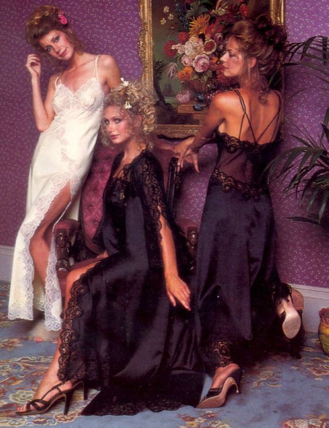 【超セクシー】今から40年前に発行されたヨーロッパ女性達のランジェリーカタログがエロ過ぎる!!・20枚目
