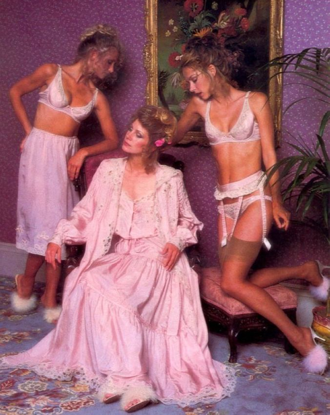 【超セクシー】今から40年前に発行されたヨーロッパ女性達のランジェリーカタログがエロ過ぎる!!・21枚目
