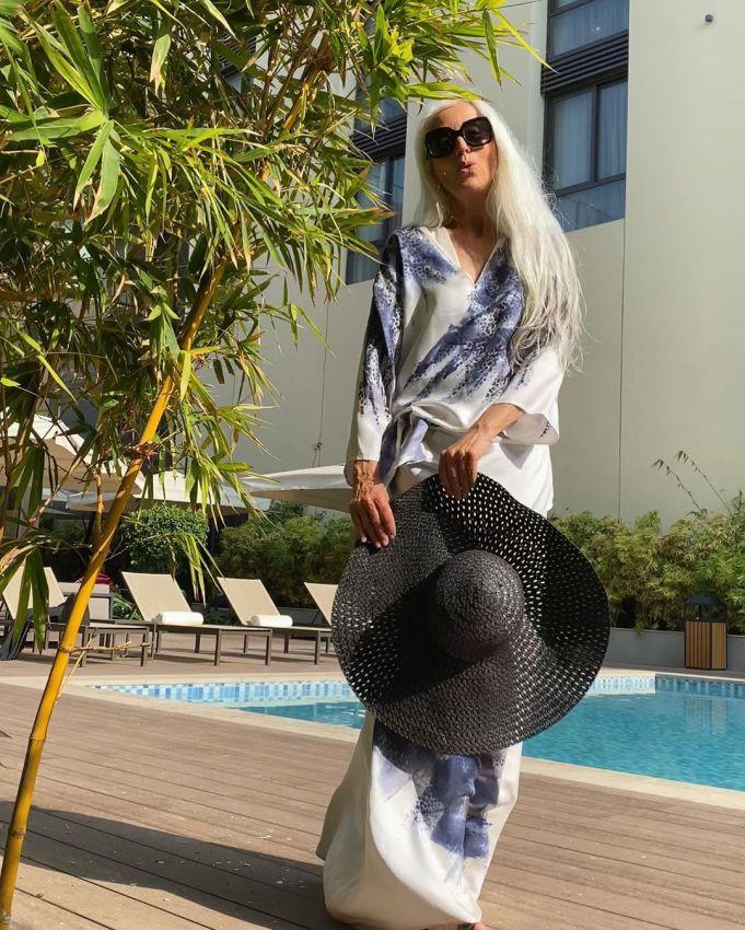 """【美人おばあちゃん】世界一美しい64歳と言われるフランス人モデル""""ヤゼミナ・ロッシ""""確かに美人だけど・・・・・8枚目"""