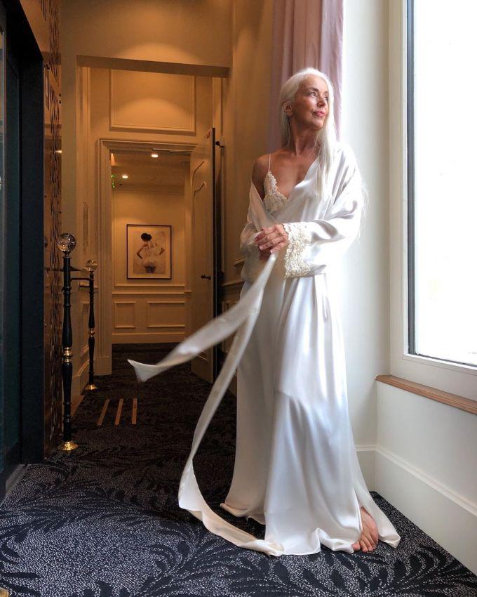 """【美人おばあちゃん】世界一美しい64歳と言われるフランス人モデル""""ヤゼミナ・ロッシ""""確かに美人だけど・・・・・19枚目"""