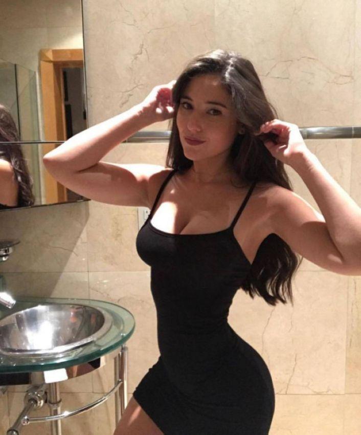 【二次】今海外の若い女性に人気なボディコンドレスのセクシー過ぎるエロ画像!!(画像あり)・5枚目