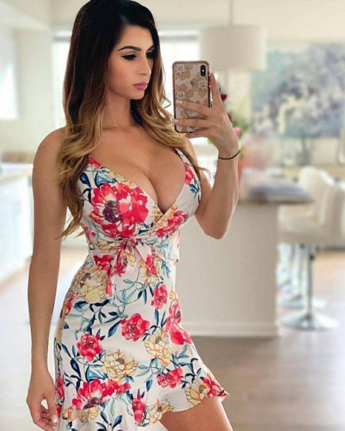【二次】今海外の若い女性に人気なボディコンドレスのセクシー過ぎるエロ画像!!(画像あり)・14枚目