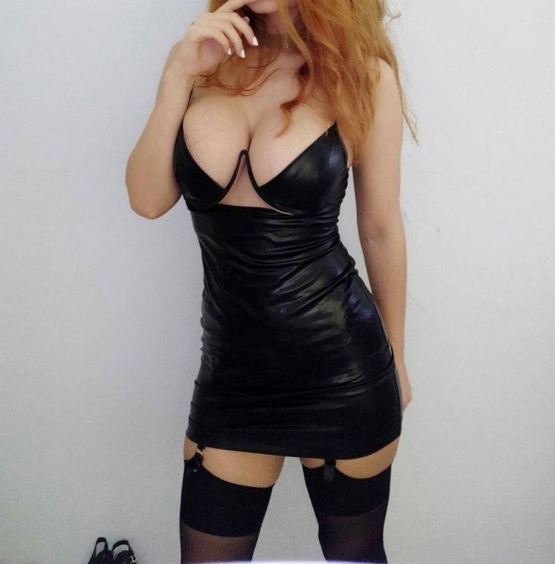 【二次】今海外の若い女性に人気なボディコンドレスのセクシー過ぎるエロ画像!!(画像あり)・21枚目