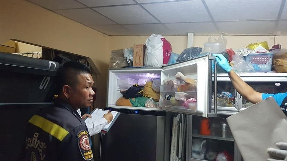 【グロ注意】タイの美魔女お母さん(42)、二十歳の息子にバラバラに解体され冷凍庫にブチ込まれる!!(画像)・1枚目