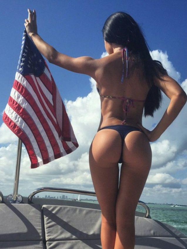 【アメリカン】如何にもアメリカ人って感じで星条旗を色んな所にあしらった金髪ギャルのエロ画像(画像あり)・7枚目