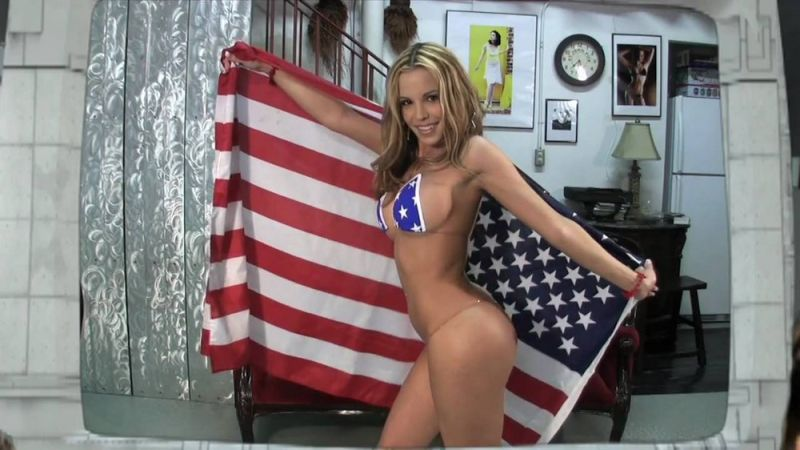 【アメリカン】如何にもアメリカ人って感じで星条旗を色んな所にあしらった金髪ギャルのエロ画像(画像あり)・28枚目