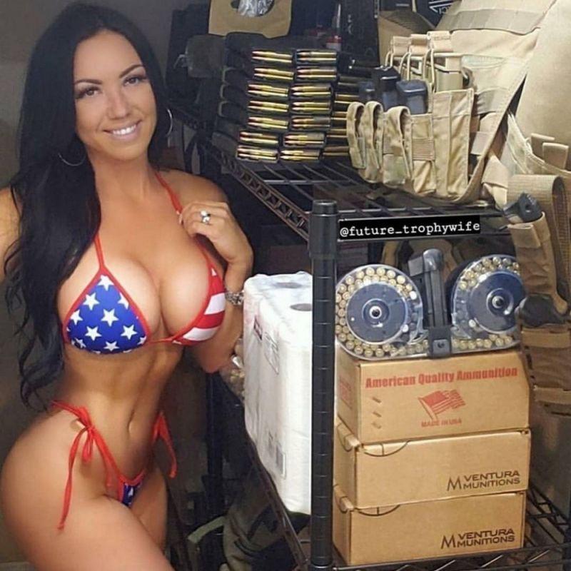 【アメリカン】如何にもアメリカ人って感じで星条旗を色んな所にあしらった金髪ギャルのエロ画像(画像あり)・33枚目