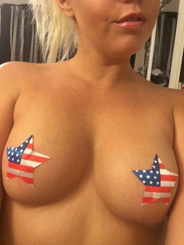 【アメリカン】如何にもアメリカ人って感じで星条旗を色んな所にあしらった金髪ギャルのエロ画像(画像あり)・34枚目
