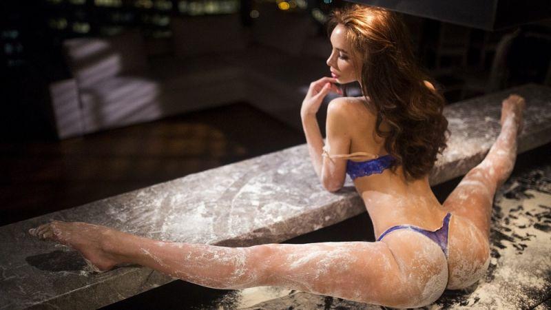 【二次】ほとんどの男がセックスの時どんな体勢で挿入できるかしか考えられない軟体自慢女子のエロ画像・15枚目