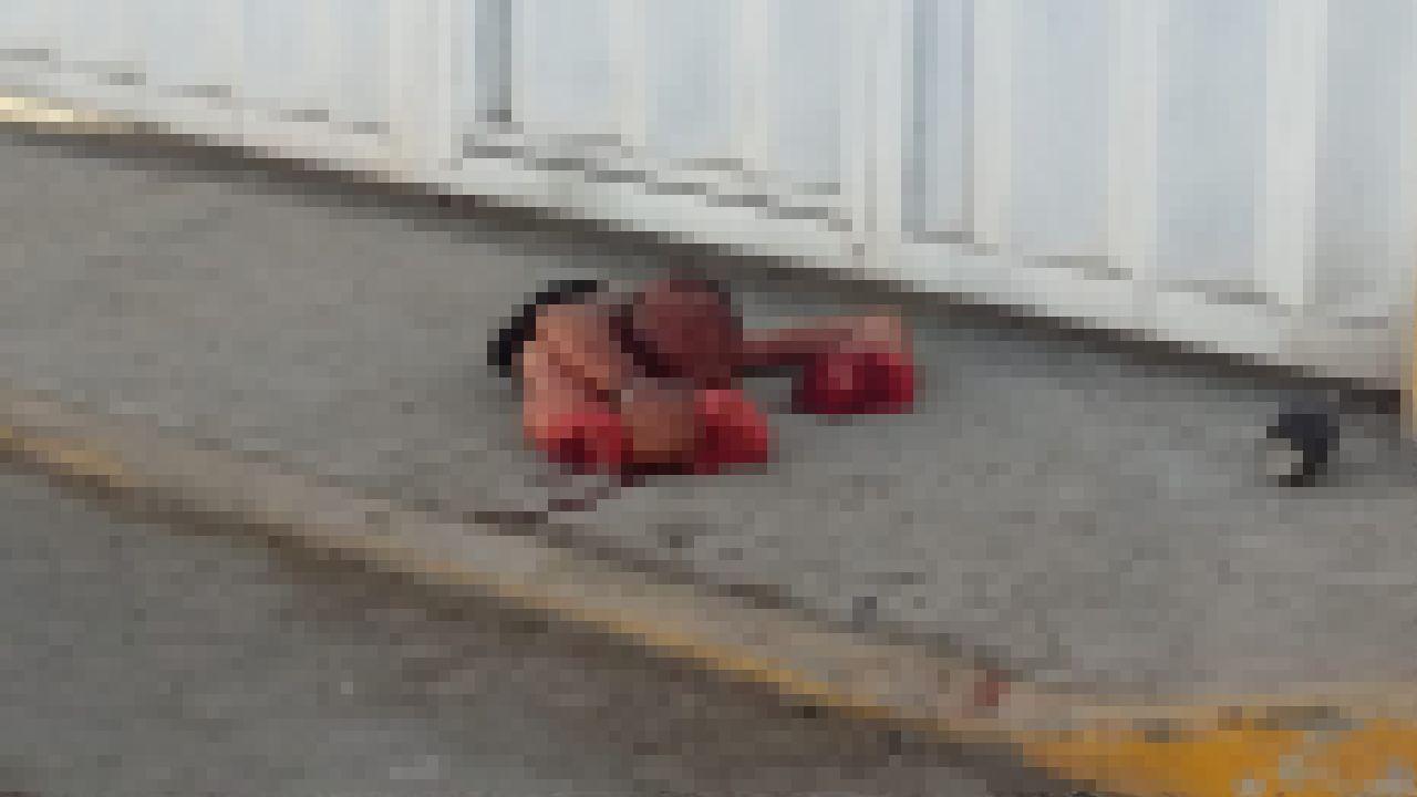 【グロ注意】メキシコの街角で早朝発見されたコレ、見つけた奴トラウマだろ・・・・・(画像)・1枚目