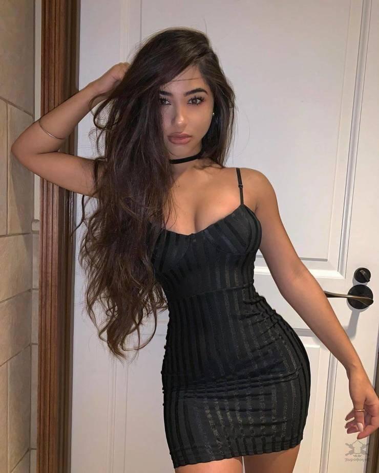 【超タイト】外国人モデルさんのタイトドレス姿、もはや猥褻物レベルにエロくて草wwwwww(画像)・15枚目