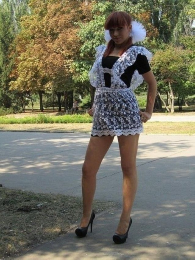 【美少女多数】卒業式には白いエプロンドレス姿のメイド服に身を包むのが慣習になってるロシアJKがエロい!!(画像)・7枚目