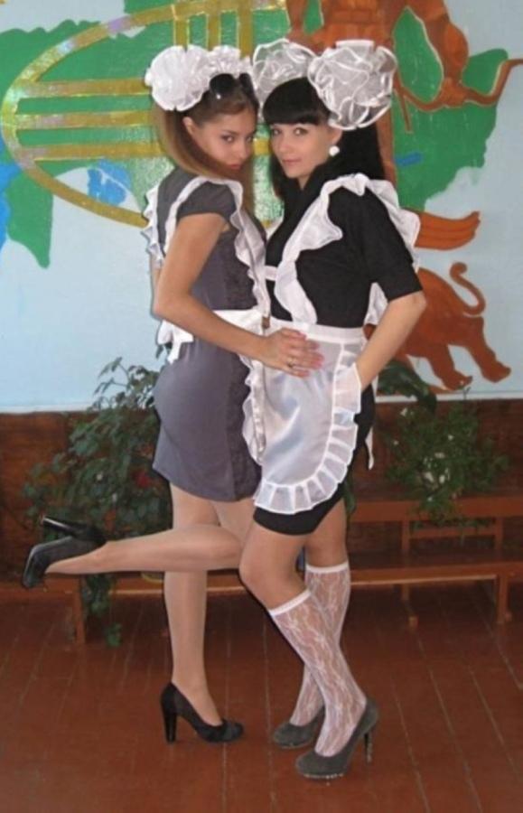【美少女多数】卒業式には白いエプロンドレス姿のメイド服に身を包むのが慣習になってるロシアJKがエロい!!(画像)・15枚目