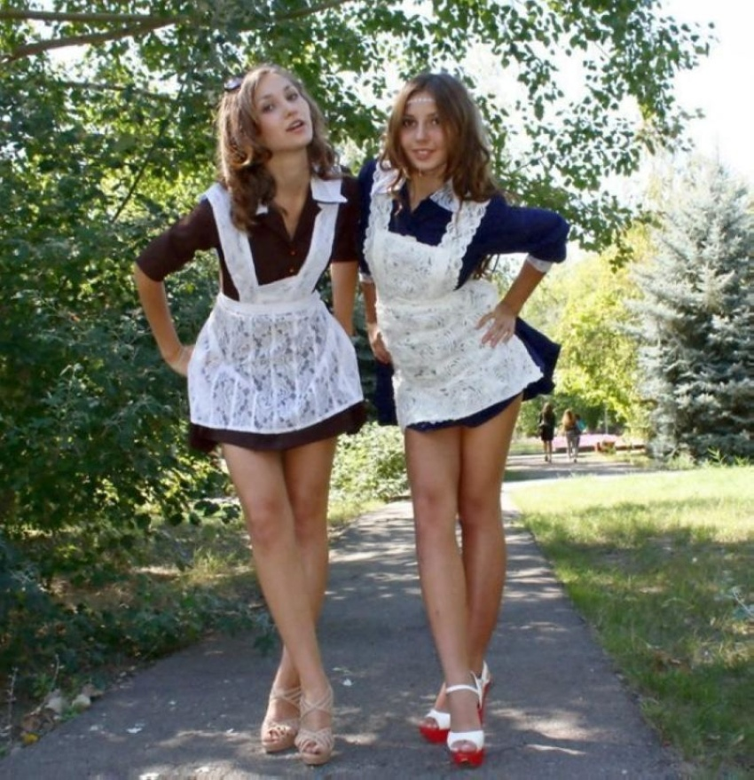 【美少女多数】卒業式には白いエプロンドレス姿のメイド服に身を包むのが慣習になってるロシアJKがエロい!!(画像)・27枚目