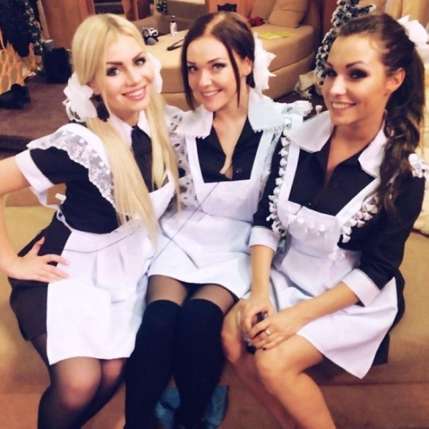 【美少女多数】卒業式には白いエプロンドレス姿のメイド服に身を包むのが慣習になってるロシアJKがエロい!!(画像)・34枚目