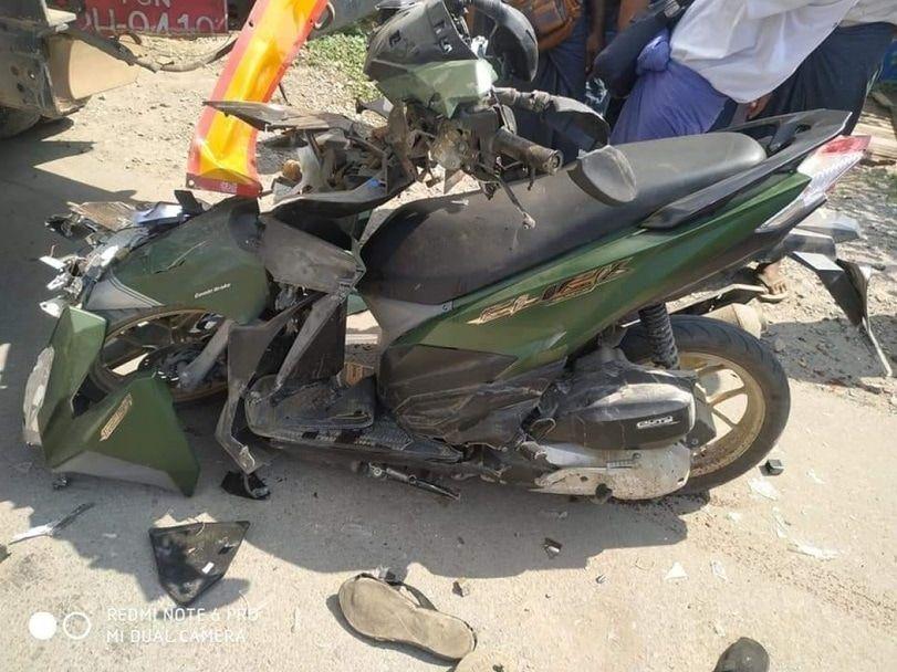 【悲惨】ミャンマーのバイク事故、3人乗りしたまま猛スピードでトラックの下に突っ込み全員即死・・・・(画像)・6枚目