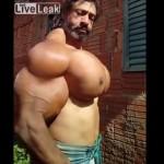 【フェイク?ガチ?】世界最大の大胸筋を持つ男、マジで膨らみ方が巨乳女子レベル・・・・!!(動画)
