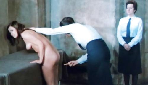 【役得】海外女囚刑務所での日常的な身体検査、日本だったら即大問題になる奴だな・・・・(画像)・6枚目