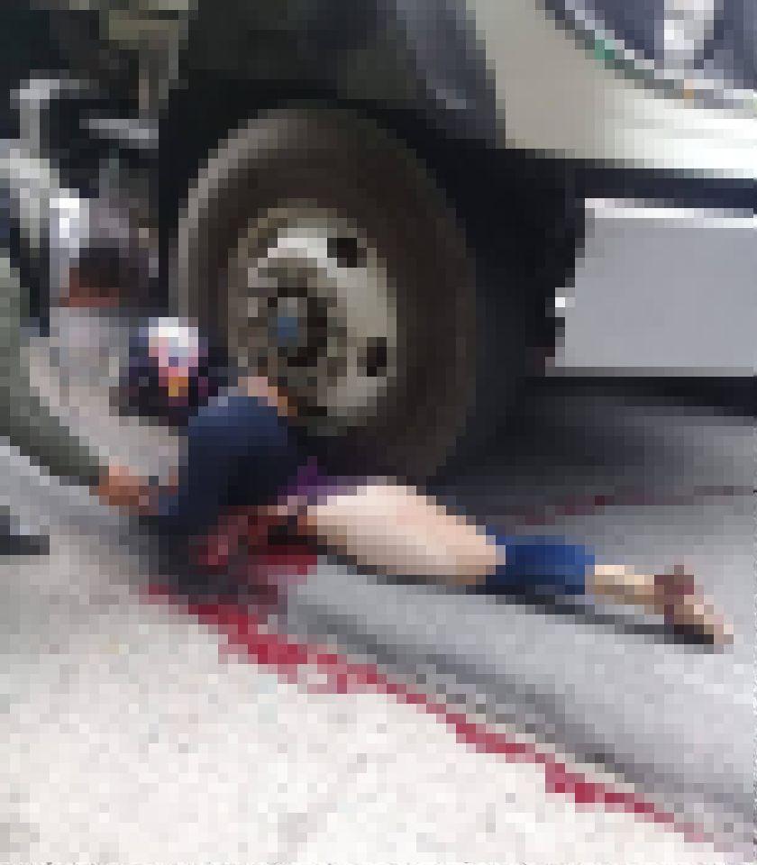 【グロ注意】バイクでトラックに衝突した女性、上半身が潰れなかった為即死できずに友人の目の前で亡くなる・・・・(画像)・4枚目