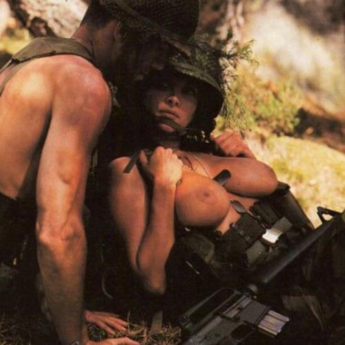 【ソルジャーエロ】戦場に派兵されてる女性兵士さん、ついハメを外してしまった画像がこちら・・・・(画像)・7枚目
