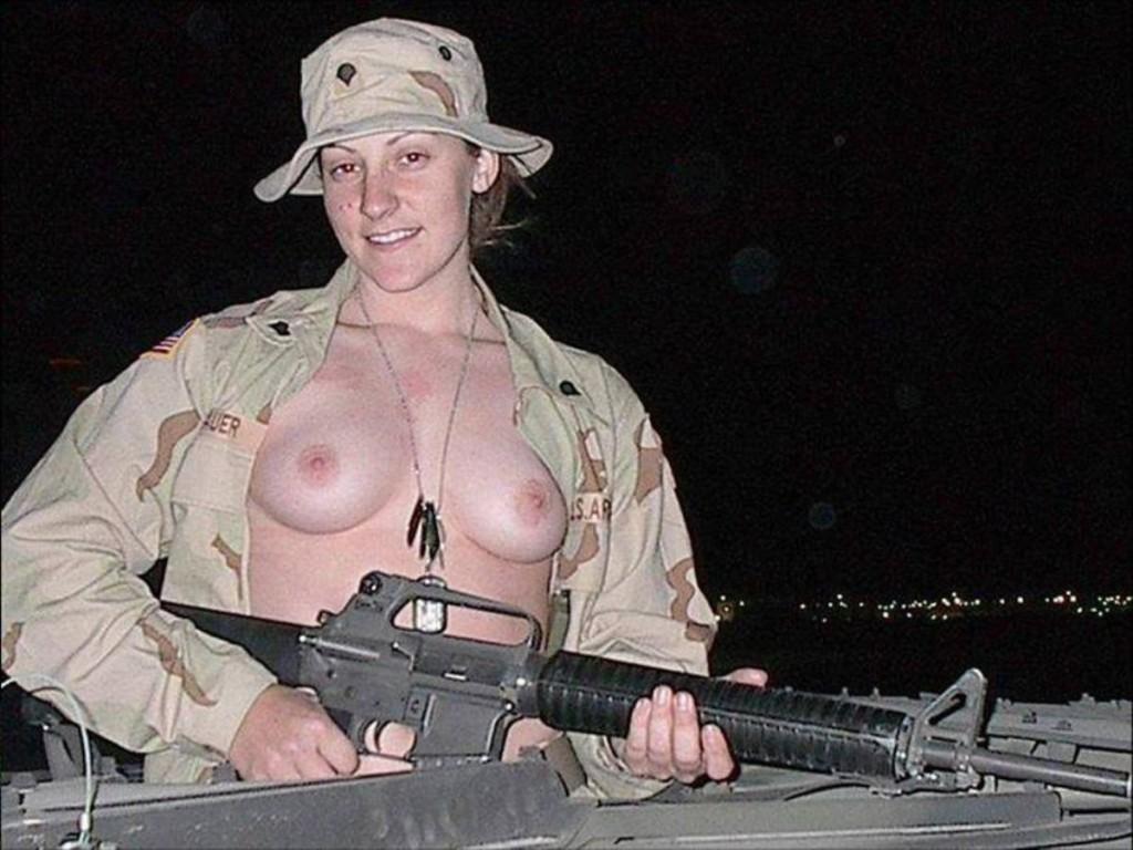 【ソルジャーエロ】戦場に派兵されてる女性兵士さん、ついハメを外してしまった画像がこちら・・・・(画像)・49枚目