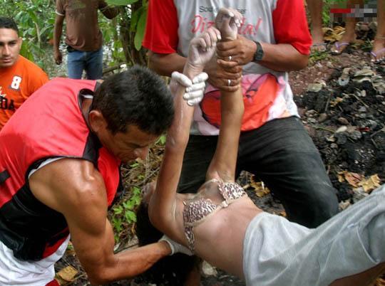 【水難事故遺体】ブラジルの川で流されて死亡してしまった美人姉妹、これはガチで勿体ない・・・・・(画像)・7枚目