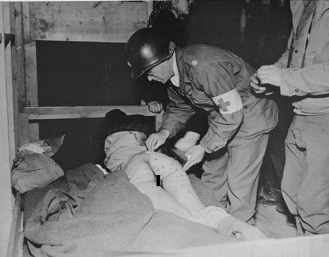 【戦争陵辱エロ】第二次大戦中にドイツ軍によって辱められた連合国側市民女性、日本は島国でホント良かった・・・・(画像)・8枚目
