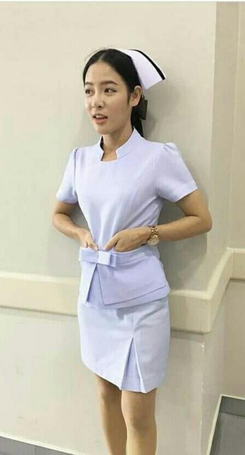 【美脚ナース】タイのナース制服、今じゃすっかり姿を消してしまったスカートタイプでクッソエロい!!(画像あり)・1枚目