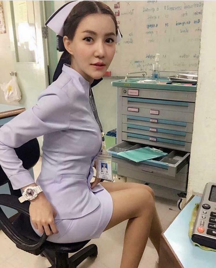 【美脚ナース】タイのナース制服、今じゃすっかり姿を消してしまったスカートタイプでクッソエロい!!(画像あり)・2枚目