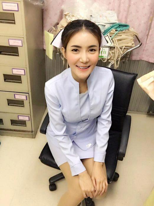 【美脚ナース】タイのナース制服、今じゃすっかり姿を消してしまったスカートタイプでクッソエロい!!(画像あり)・6枚目