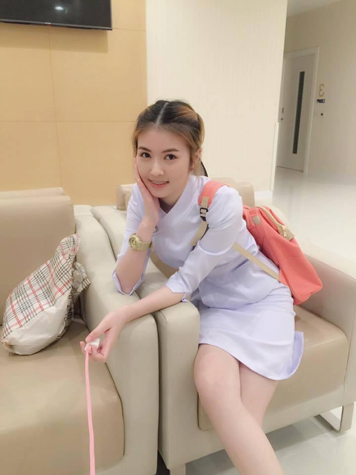 【美脚ナース】タイのナース制服、今じゃすっかり姿を消してしまったスカートタイプでクッソエロい!!(画像あり)・11枚目