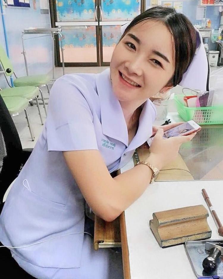 【美脚ナース】タイのナース制服、今じゃすっかり姿を消してしまったスカートタイプでクッソエロい!!(画像あり)・14枚目