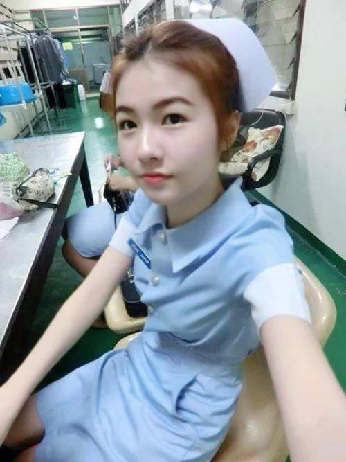 【美脚ナース】タイのナース制服、今じゃすっかり姿を消してしまったスカートタイプでクッソエロい!!(画像あり)・21枚目