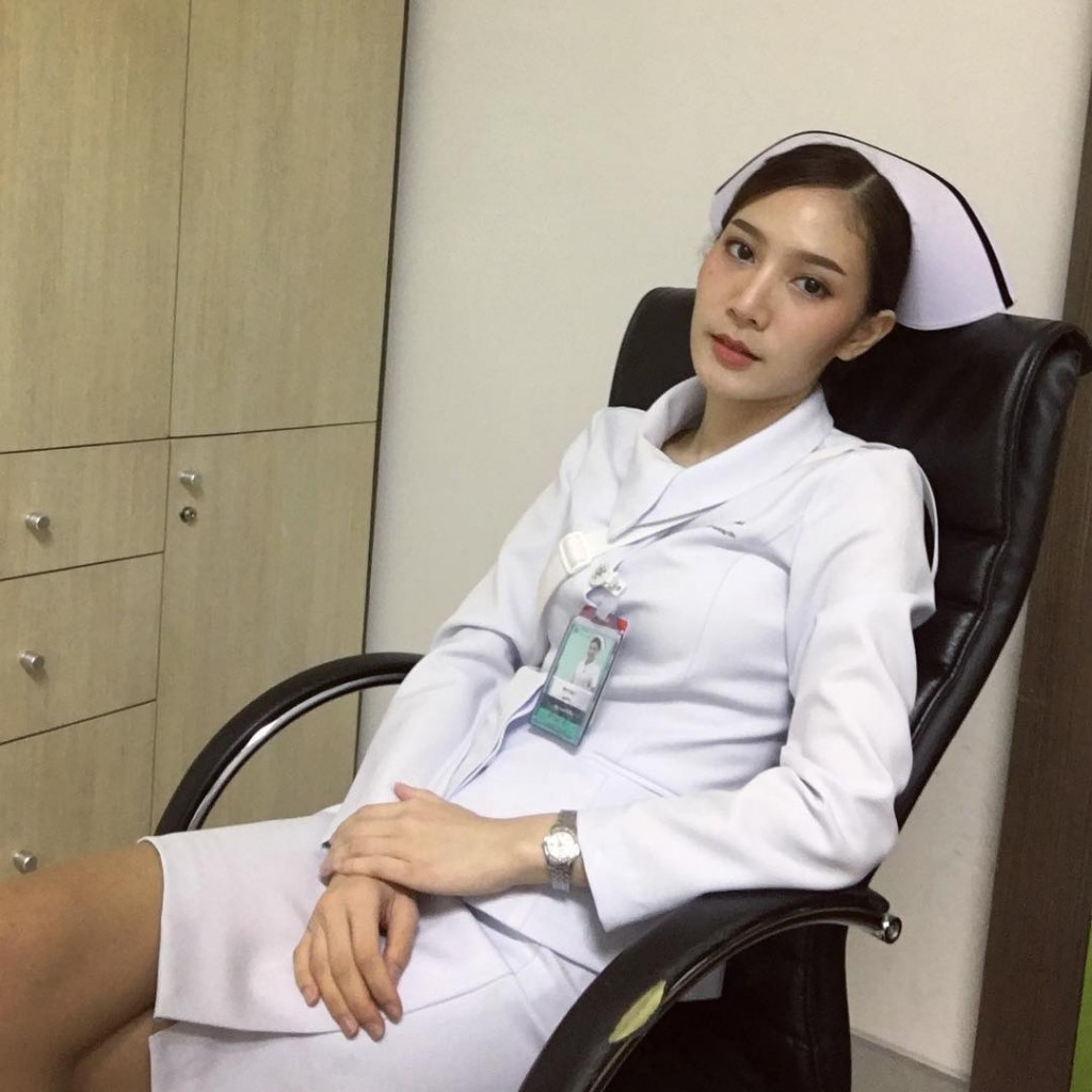 【美脚ナース】タイのナース制服、今じゃすっかり姿を消してしまったスカートタイプでクッソエロい!!(画像あり)・31枚目