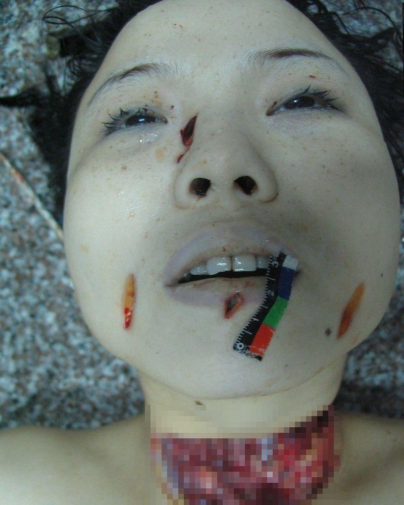 【グロ注意】中国で起こった連続猟奇殺人事件、滅多刺しにされた売春婦の画像がヤバ過ぎる!!(画像あり)・6枚目