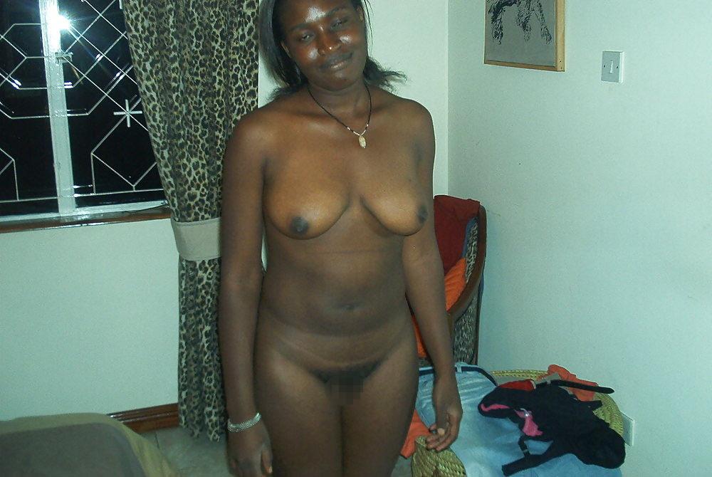 【臭そう】アフリカで一発数百円で抱ける売春婦、病気さえ無ければコスパ最強だよな・・・・(画像)・2枚目