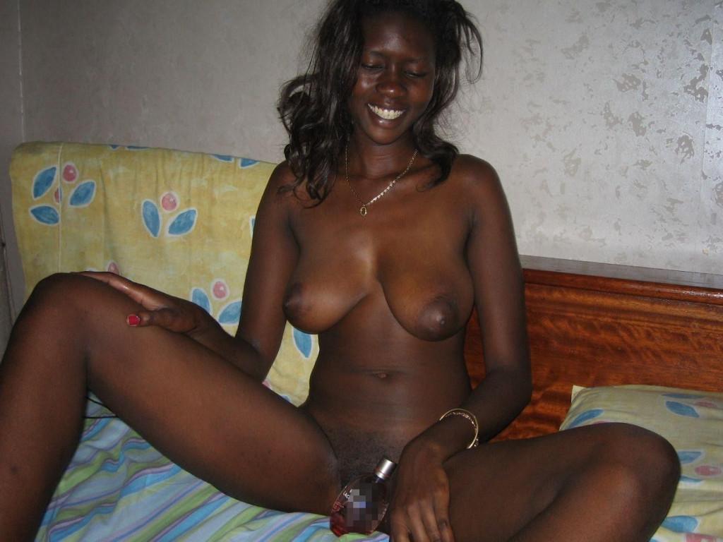 【臭そう】アフリカで一発数百円で抱ける売春婦、病気さえ無ければコスパ最強だよな・・・・(画像)・4枚目