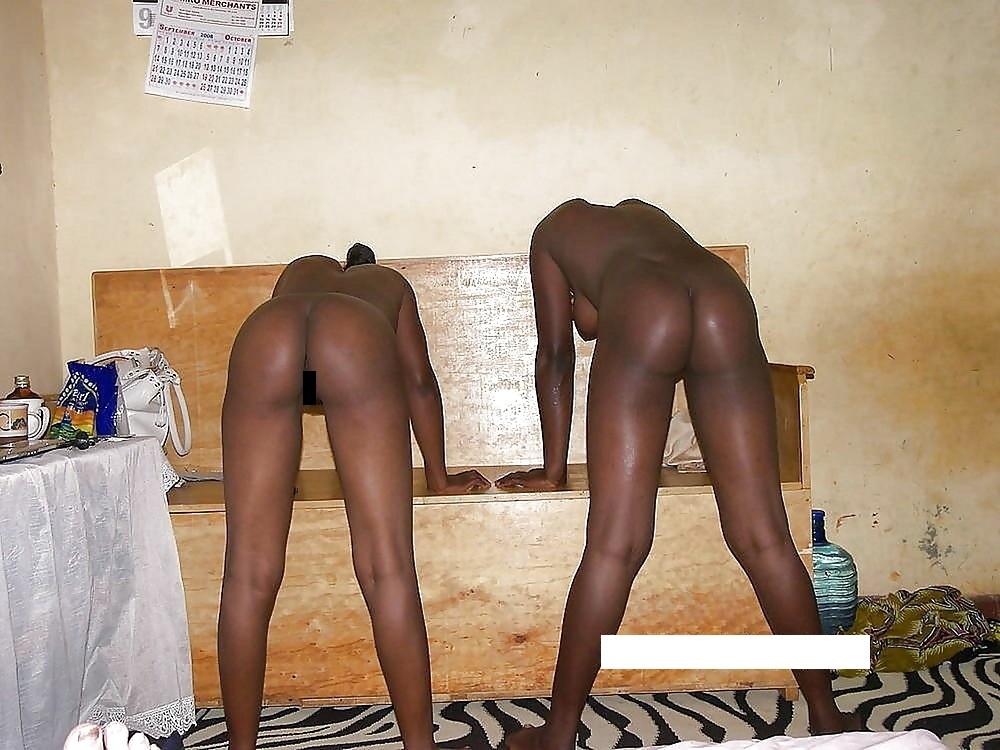 【臭そう】アフリカで一発数百円で抱ける売春婦、病気さえ無ければコスパ最強だよな・・・・(画像)・9枚目