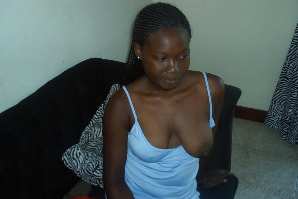 【臭そう】アフリカで一発数百円で抱ける売春婦、病気さえ無ければコスパ最強だよな・・・・(画像)・12枚目