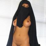 【二次】旦那以外に見せたら死刑な中東ムスリム女性の爆乳おっぱい、そりゃ死刑もやむ無しだろ・・・・(画像)