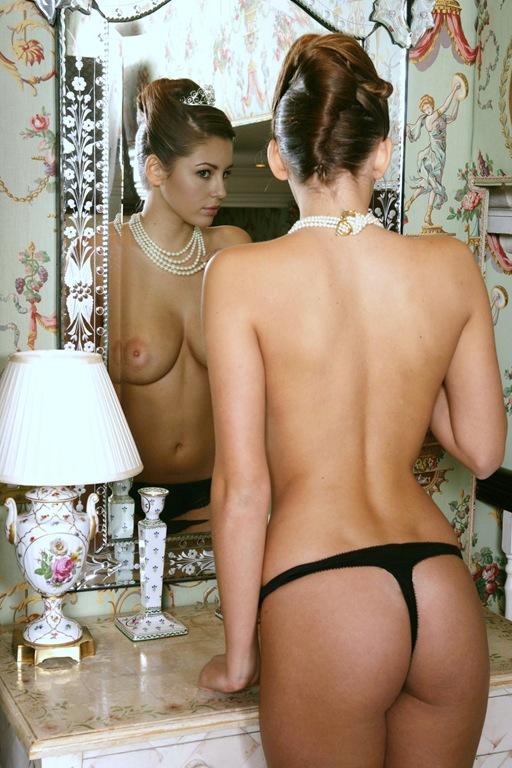 【超絶スタイル】イギリスの人気女優兼モデル「キーリー・ヘイゼル」若かりし頃のヌード、マジで美人過ぎてワロタwwwwwww(画像あり)・17枚目