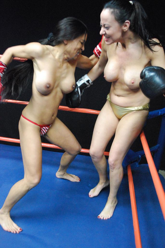 【エロボクサー】エロと格闘技の絶妙な融合、如何にもアメリカ人らしいトップレスボクシングのエロ画像!!(画像あり)・11枚目