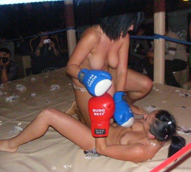 【エロボクサー】エロと格闘技の絶妙な融合、如何にもアメリカ人らしいトップレスボクシングのエロ画像!!(画像あり)・26枚目