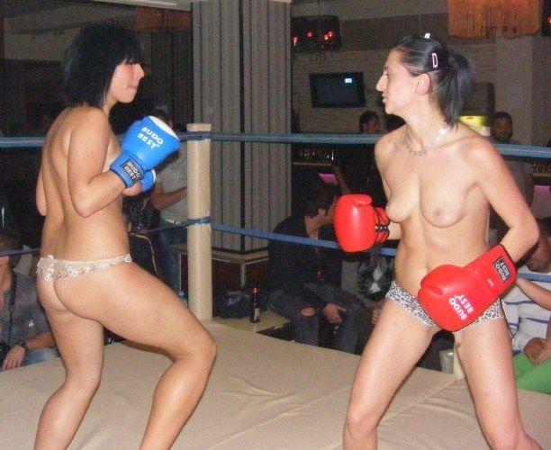 【エロボクサー】エロと格闘技の絶妙な融合、如何にもアメリカ人らしいトップレスボクシングのエロ画像!!(画像あり)・39枚目