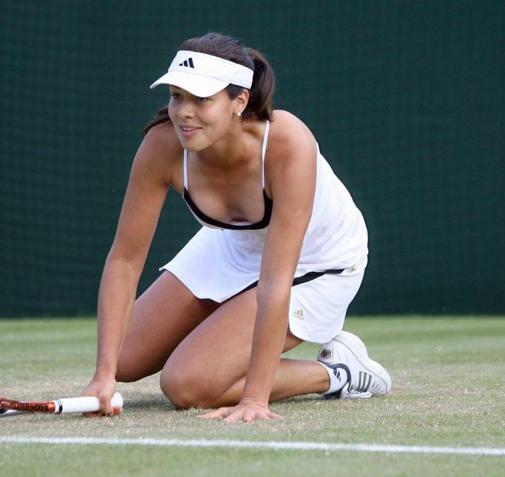 【ほぼ露出狂】トップ女子テニスプレイヤー、色々とエロ過ぎるwwwwww(画像あり)・2枚目