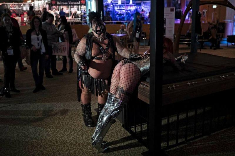 """【エロの祭典】毎年ドイツで開催される世界最大のエロの展示会""""Venus Berlin""""、これは是非行ってみたいなwwwwww(画像)・4枚目"""