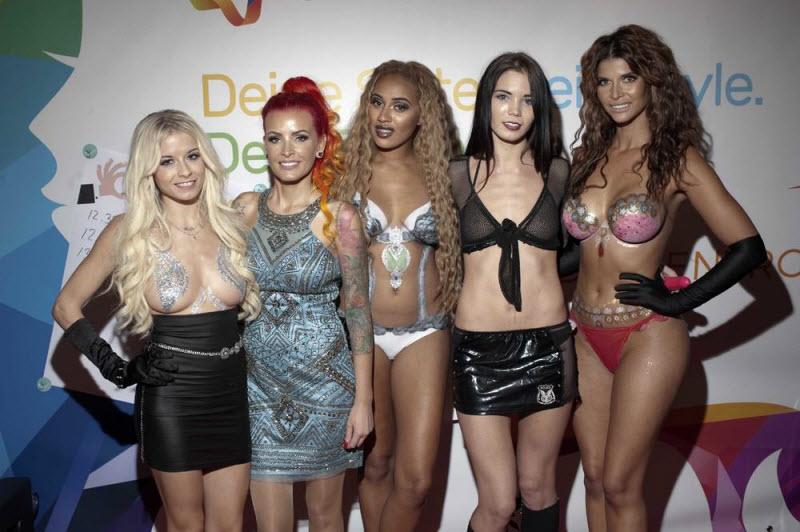 """【エロの祭典】毎年ドイツで開催される世界最大のエロの展示会""""Venus Berlin""""、これは是非行ってみたいなwwwwww(画像)・7枚目"""
