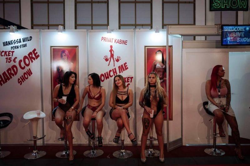"""【エロの祭典】毎年ドイツで開催される世界最大のエロの展示会""""Venus Berlin""""、これは是非行ってみたいなwwwwww(画像)・31枚目"""