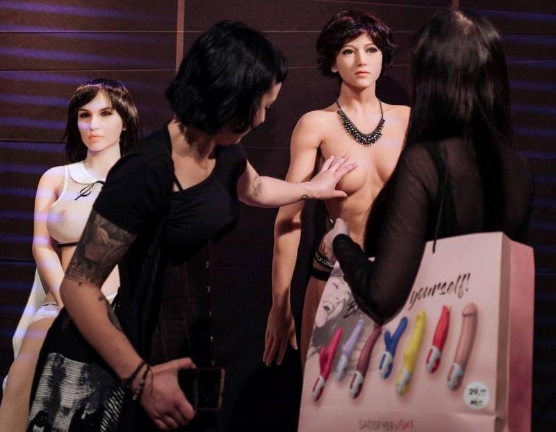 """【エロの祭典】毎年ドイツで開催される世界最大のエロの展示会""""Venus Berlin""""、これは是非行ってみたいなwwwwww(画像)・32枚目"""